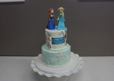 disney-frozen-movie-cake