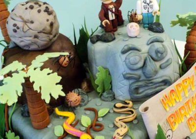 indiana-jones-lego-cake