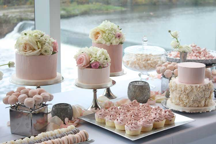 Wedding Sweet Tables Dessert Station Themes Tips Fruits: Wedding Cakes