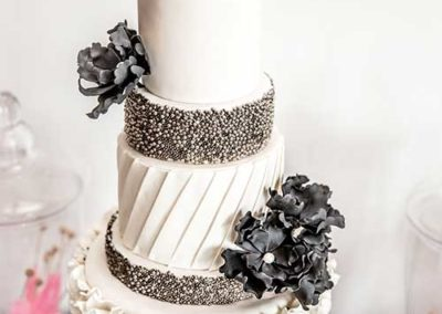 feature-wedding-dessert-table-10